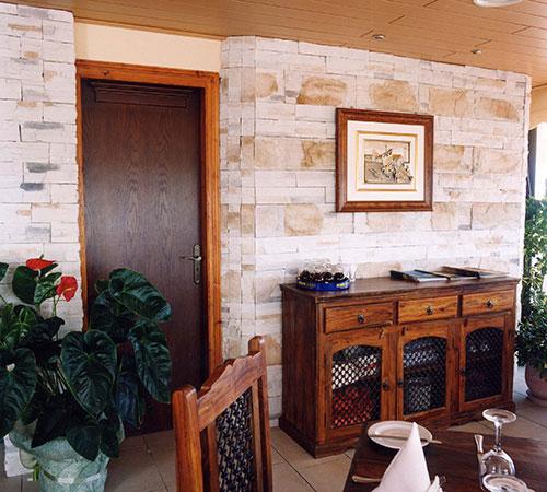 Highland Blend Cream Dining Room