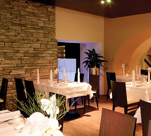 Restaurant with Isola Gold
