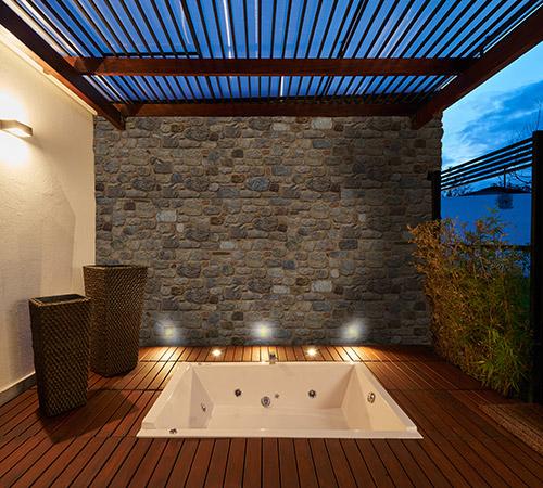 Arcadian Outdoor Bath
