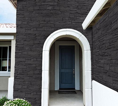 Isola Black House Entrance